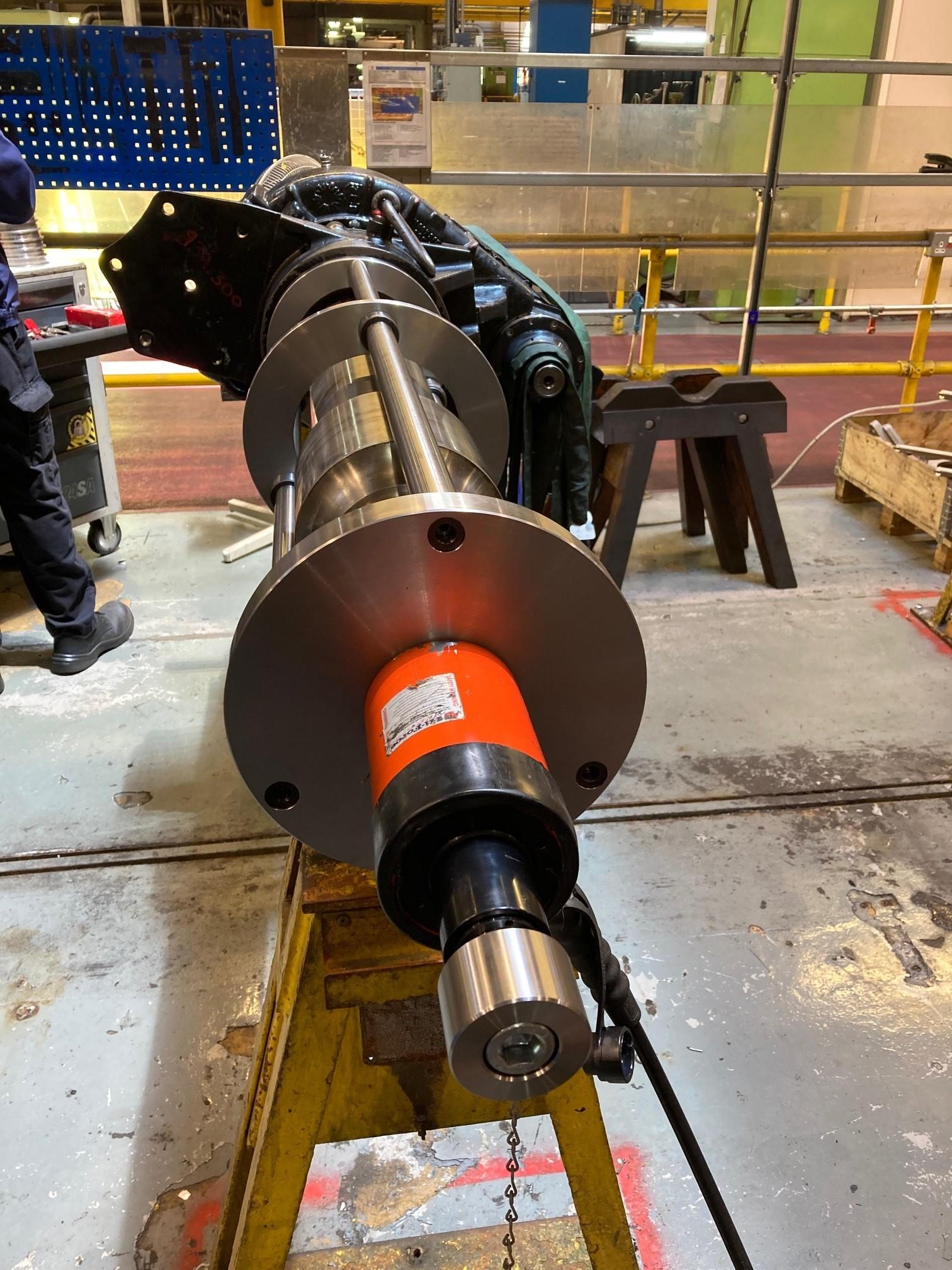 Shaft maintenance equipment